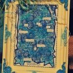 Blackout Poem / versteckter Vers in einem blau verzierten Bilderrahmen