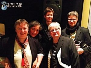 die fünf Autorinnen der lesbischen Lesenacht in der Frauenkultur Leipzig nach ihren viel beklatschten Lesungen