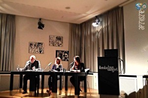 Literaturkiritiker mit den Dichterinnen Uljana Wolf und Sabine Scho auf der Bühne